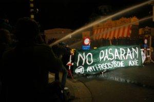L'extrême-gauche s'affrontant avec la police à Gand
